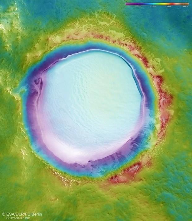Giáng Sinh trên sao Hỏa: ESA công bố bức ảnh băng tuyết tuyệt đẹp ở hành tinh Đỏ - Ảnh 2.