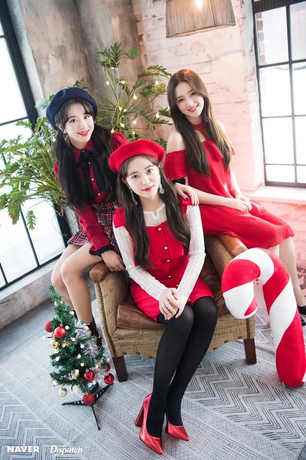 Bộ ảnh Giáng sinh của hội em út gây tranh cãi: Đẹp là thế, nữ thần lai Nancy lép vế trước mỹ nhân TWICE, Red Velvet - Ảnh 4.