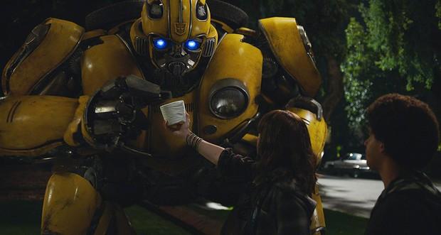 Tạo hình đã cute lạc lối, robot ong vàng Bumblebee phiên bản 2018 còn biết đốn tim cả thiên hạ - Ảnh 3.