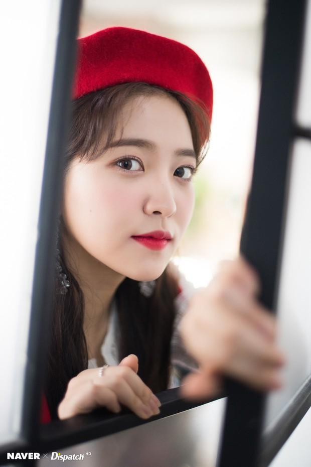 Bộ ảnh Giáng sinh của hội em út gây tranh cãi: Đẹp là thế, nữ thần lai Nancy lép vế trước mỹ nhân TWICE, Red Velvet - Ảnh 6.