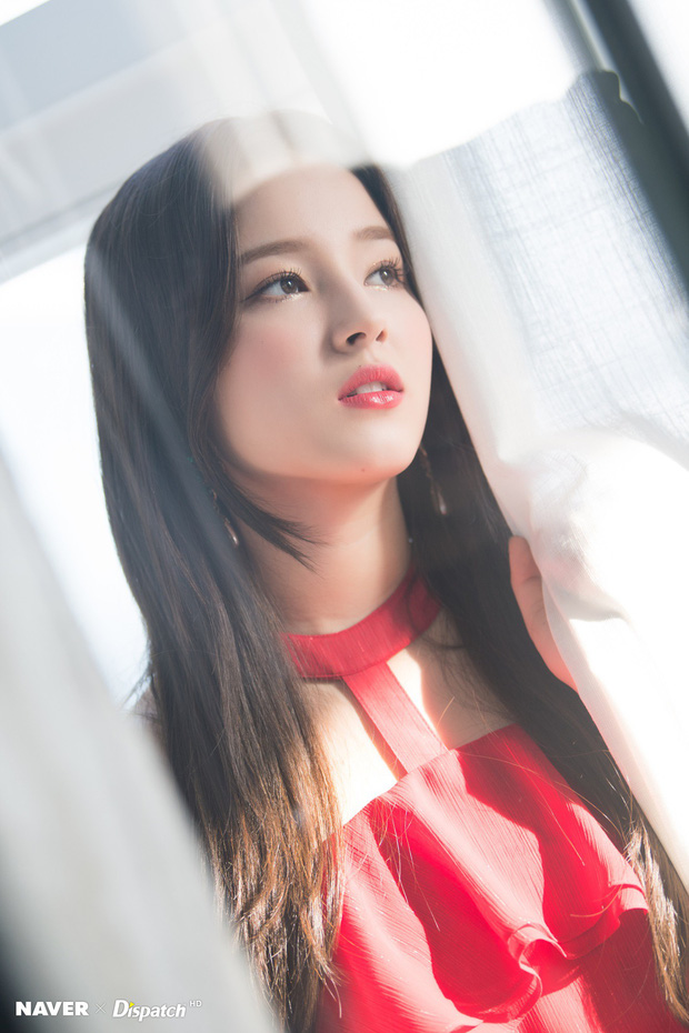 Bộ ảnh Giáng sinh của hội em út gây tranh cãi: Đẹp là thế, nữ thần lai Nancy lép vế trước mỹ nhân TWICE, Red Velvet - Ảnh 11.