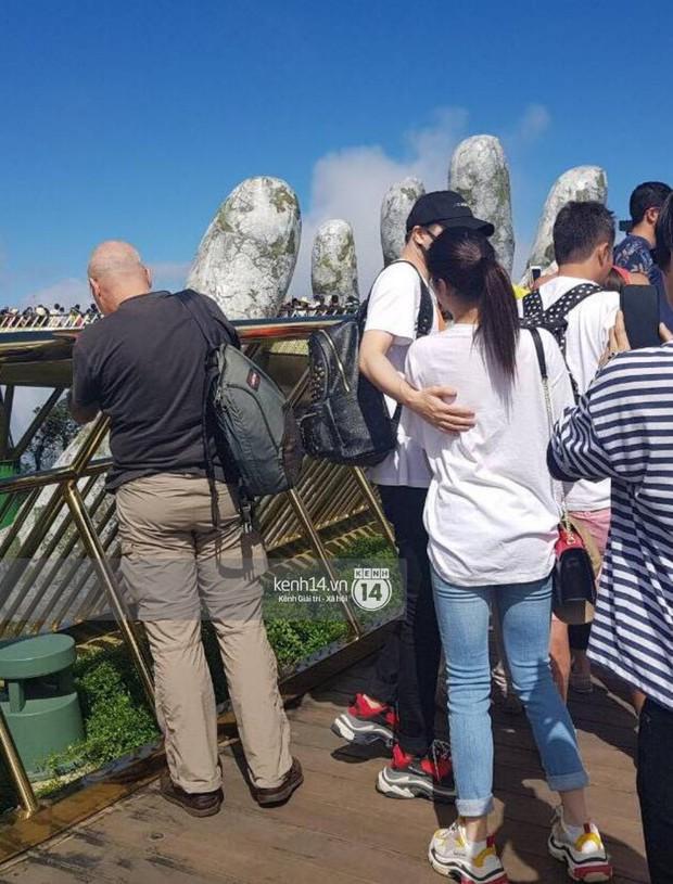 Rò rỉ hình ảnh được cho là Trịnh Thăng Bình đi giày đôi, tình tứ bên Liz Kim Cương tại Đà Nẵng - Ảnh 2.