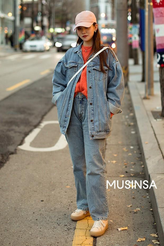 Nếu đã chán cách ăn mặc basic, bạn hãy xem ngay street style không đụng hàng mà lại dễ áp dụng của Hàn - Ảnh 11.