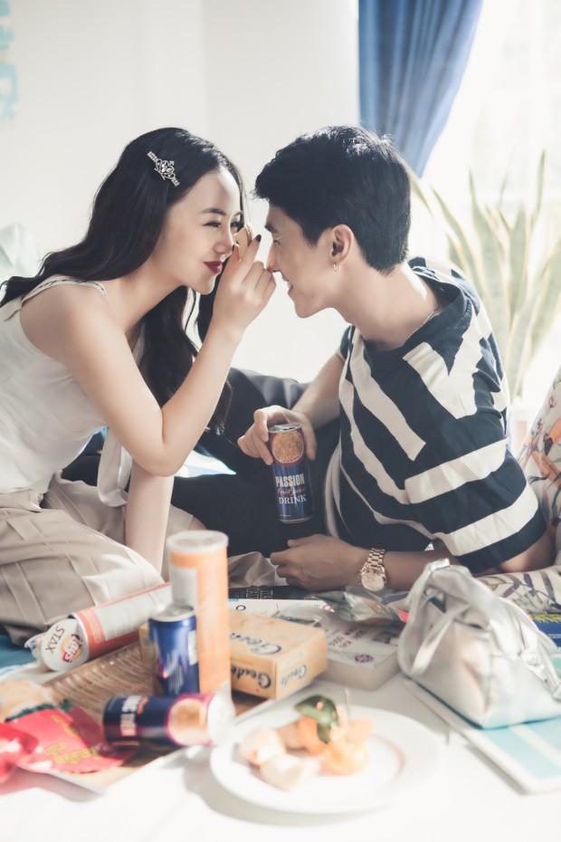 Đây là cách Dương Hoàng Yến đối mặt khi phát hiện bạn trai ngoại tình trong MV: Tự tay xuống tóc, đốt sạch toàn bộ kỉ vật - Ảnh 3.
