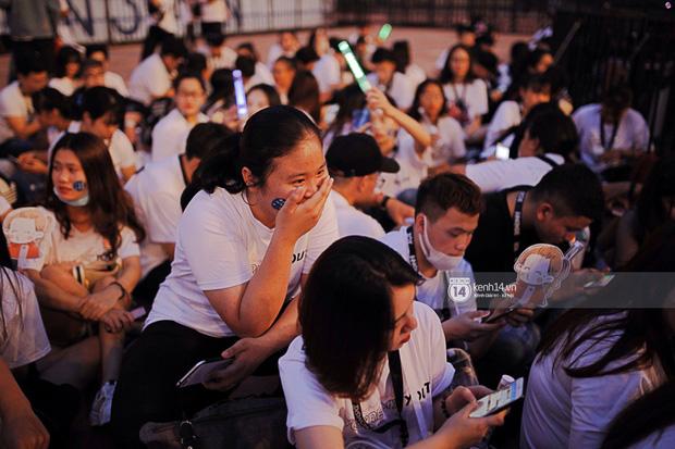 Minh Hằng và Khả Ngân lên đồ cực chất, dàn sao Việt đình đám cầm lighstick sẵn sàng quẩy trong liveshow Đông Nhi - Ảnh 15.