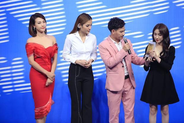 Hòa Minzy gặp tình huống y chang Hari Won từng mắc phải tại Ơn giời - Ảnh 1.