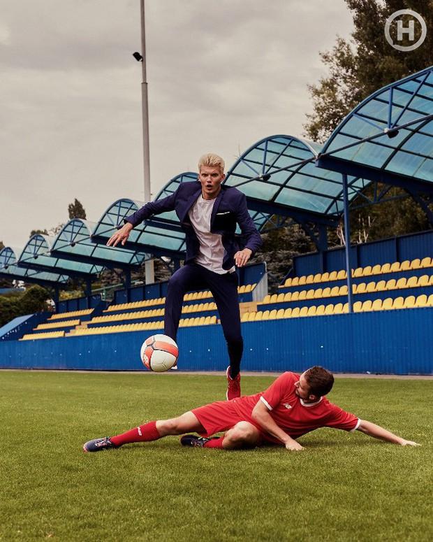 Next Top Ukraine: Đi đá bóng mà mặc đồ như... dự sự kiện, không sợ vấp váy té hay sao? - Ảnh 10.