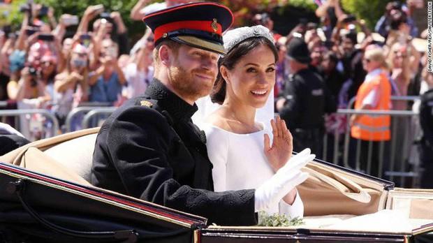Điểm lại 3 đám cưới hoàng gia đình đám nhất 2018: Đám xa hoa đến mức lãng phí, đám giản dị kín đáo bất ngờ - Ảnh 2.