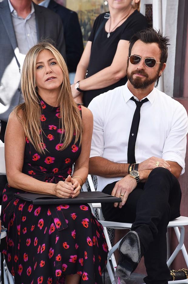 Những cuộc chia tay ồn ào nhất Hollywood 2018: Người hủy hôn nhanh như hủy show, kẻ vừa dứt tình cũ đã vội lấy vợ - Ảnh 14.
