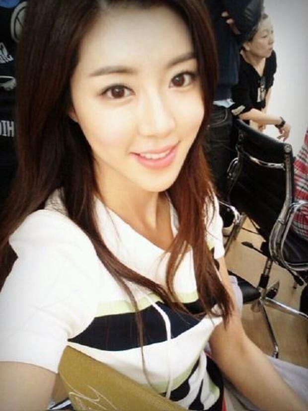 Tranh cãi bạn gái G-Dragon tự nhận là hotgirl hàng đầu, vượt mặt cả Goo Hye Sun và Park Han Byul - Ảnh 3.