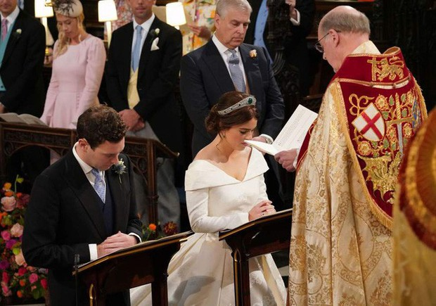 Điểm lại 3 đám cưới hoàng gia đình đám nhất 2018: Đám xa hoa đến mức lãng phí, đám giản dị kín đáo bất ngờ - Ảnh 9.