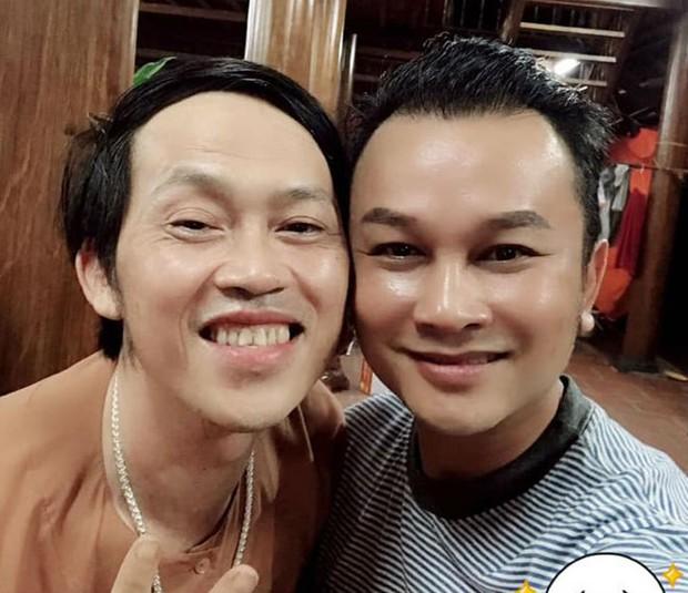 Trấn Thành, Lê Giang, Nam Thư cùng dàn nghệ sĩ quây quần bên nhau mừng sinh nhật Hoài Linh - Ảnh 3.