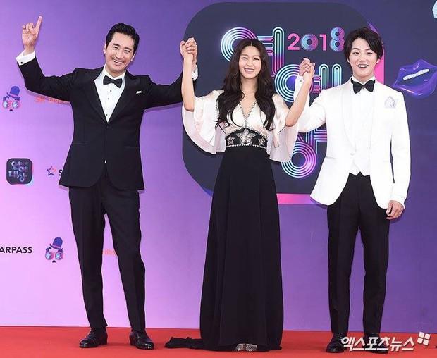 Seolhyun xuất hiện sau lần mệt muốn ngất trên sân khấu, netizen Hàn quay ngoắt: Cô là ai trong mười hai con giáp??? - Ảnh 4.