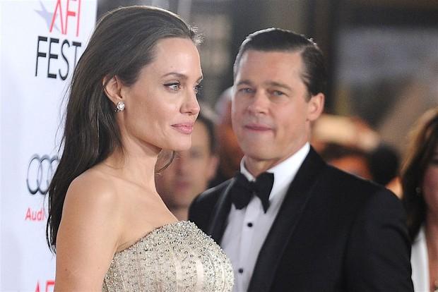 Brad Pitt đã đốt nửa số gia tài để giải quyết vụ ly hôn với Angelina Jolie: Con số chính xác có thể gây sốc? - Ảnh 1.