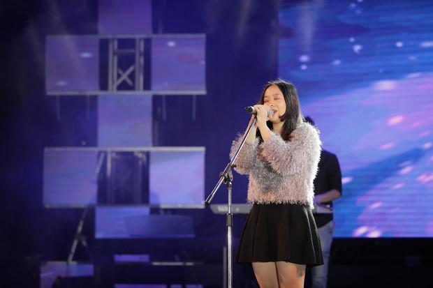 Học sinh các trường Quốc tế tại Hà Nội khoe combo đẹp, học giỏi, hát hay, nhảy chất trong cuộc thi Âm nhạc sôi động - Ảnh 4.