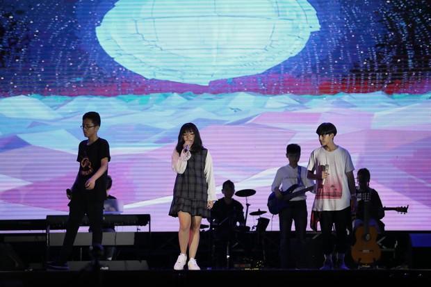 Học sinh các trường Quốc tế tại Hà Nội khoe combo đẹp, học giỏi, hát hay, nhảy chất trong cuộc thi Âm nhạc sôi động - Ảnh 7.