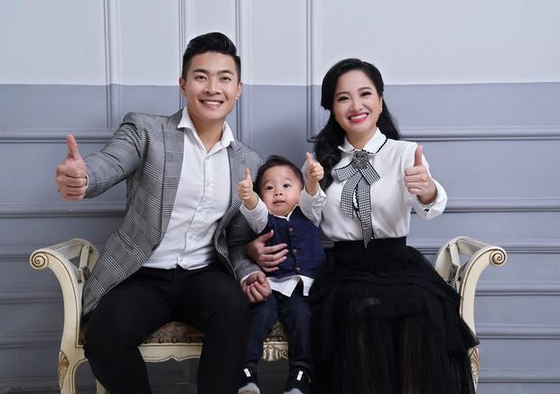 Vợ chồng Quốc Cơ thực hiện bộ ảnh gia đình 3 thế hệ mừng sinh nhật con trai tròn 2 tuổi - Ảnh 8.