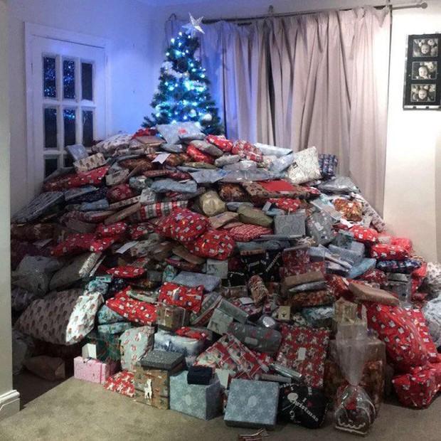 Chi gần 60 triệu mua quà Giáng sinh cho con, người mẹ bị dân mạng chỉ trích nặng nề - Ảnh 1.
