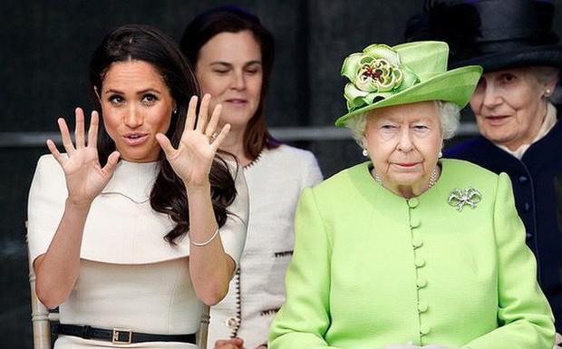 Meghan đích thị là nàng dâu hoàng gia thị phi nhất năm 2018 với những vụ lùm xùm đầy tai tiếng - Ảnh 5.