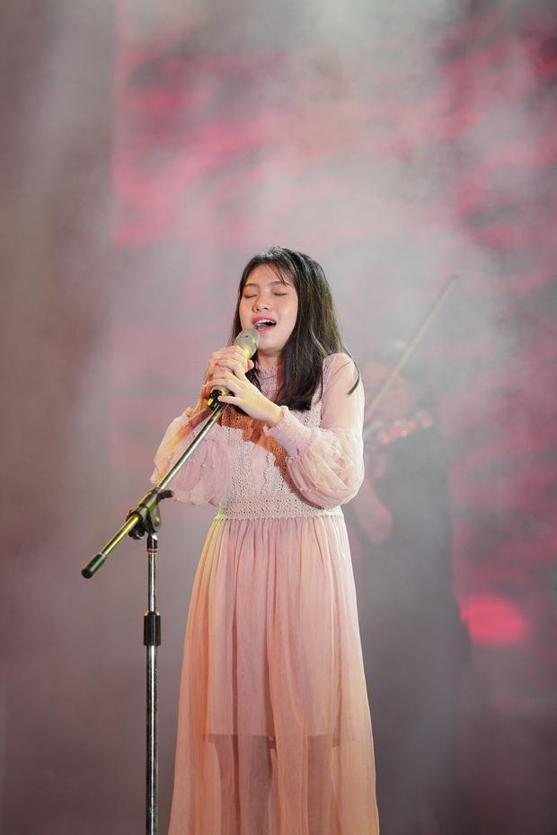 Học sinh các trường Quốc tế tại Hà Nội khoe combo đẹp, học giỏi, hát hay, nhảy chất trong cuộc thi Âm nhạc sôi động - Ảnh 16.