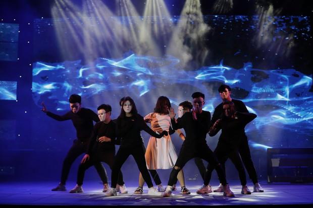 Học sinh các trường Quốc tế tại Hà Nội khoe combo đẹp, học giỏi, hát hay, nhảy chất trong cuộc thi Âm nhạc sôi động - Ảnh 18.
