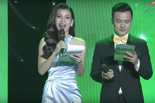 Nữ MC gala Quả bóng vàng hoá ra là bạn gái cũ của Mr Cần Trô  Xuân Nghị - Ảnh 1.
