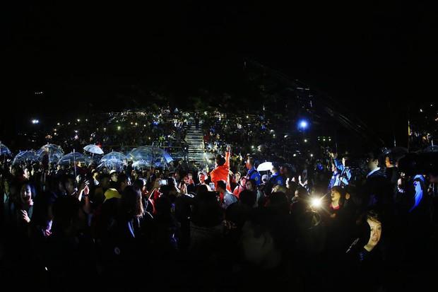 Hà Anh Tuấn lần đầu hát ca khúc mới của Phan Mạnh Quỳnh, đưa 4000 khán giả thăng hoa trong concert ở Đà Lạt - Ảnh 8.
