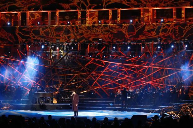 Hà Anh Tuấn lần đầu hát ca khúc mới của Phan Mạnh Quỳnh, đưa 4000 khán giả thăng hoa trong concert ở Đà Lạt - Ảnh 1.