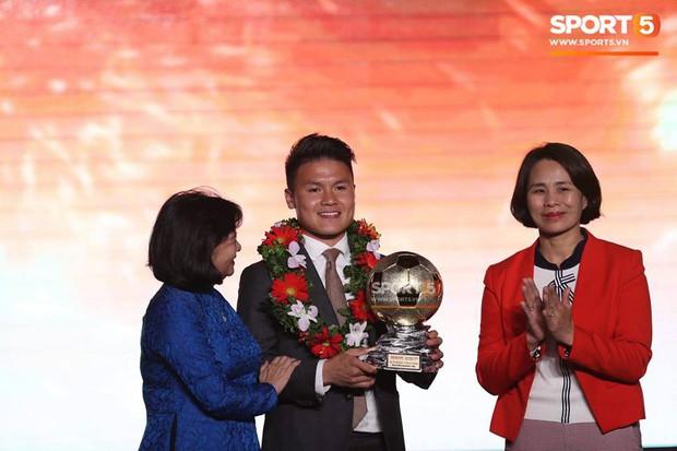 Quang Hải sánh ngang cùng cầu thủ số 1 châu Á trong danh sách 5 ngôi sao sáng nhất Asian Cup 2019 - Ảnh 2.