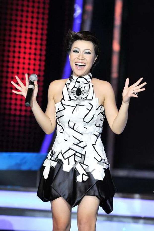 Giáng sinh cách đây 8 năm, Uyên Linh chính thức đăng quang Quán quân Vietnam Idol sau khi bị loại hụt - Ảnh 5.
