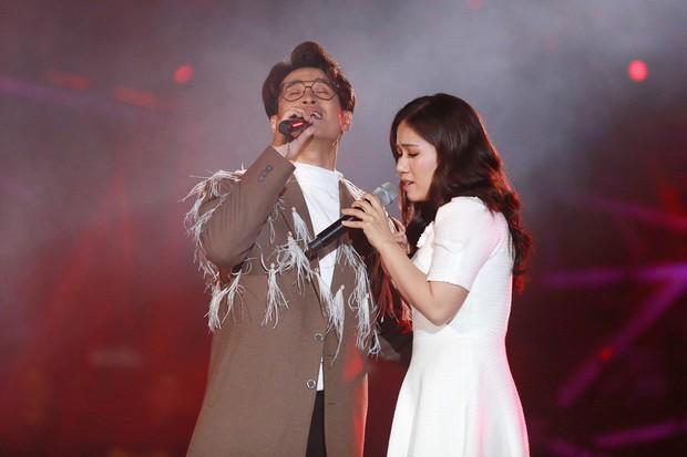 Hà Anh Tuấn lần đầu hát ca khúc mới của Phan Mạnh Quỳnh, đưa 4000 khán giả thăng hoa trong concert ở Đà Lạt - Ảnh 7.