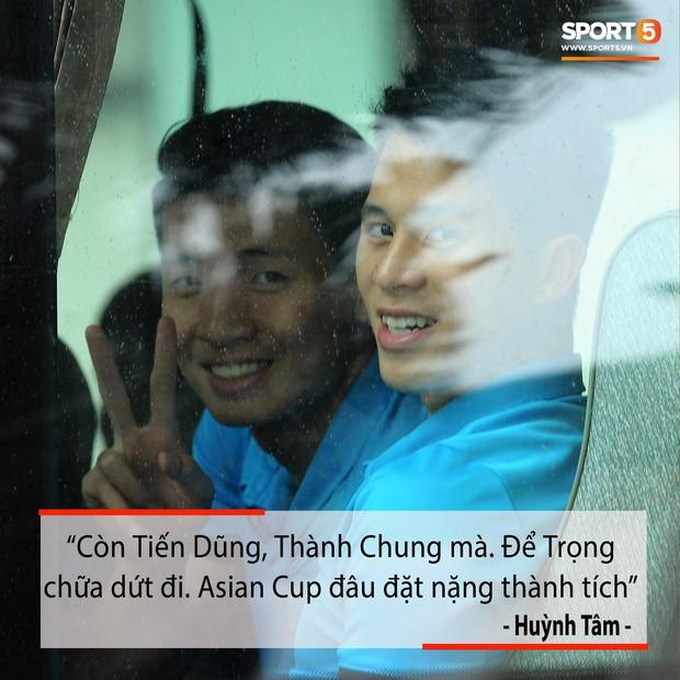Fan hiến kế hài hước: Cho Đình Trọng vào bao, ném sang Hàn Quốc để tập trung điều trị chấn thương - Ảnh 8.