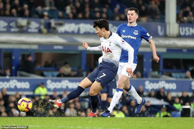 Cử chỉ đáng yêu của cầu thủ số 1 Hàn Quốc trong ngày ghi 2 bàn nhấn chìm Everton ở giải Ngoại hạng Anh - Ảnh 6.