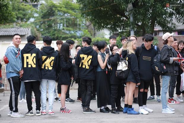 Giới trẻ Việt nô nức đi chơi Sole Ex 2018 - Sự kiện về sneaker và streetwear lớn nhất miền Bắc - Ảnh 1.