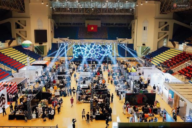 Giới trẻ Việt nô nức đi chơi Sole Ex 2018 - Sự kiện về sneaker và streetwear lớn nhất miền Bắc - Ảnh 4.