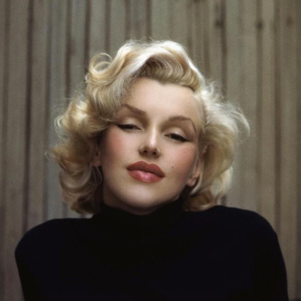 Biểu tượng sắc đẹp như Marilyn Monroe, Công nương Diana trông sẽ như thế này khi bơm môi, sửa mũi theo xu hướng thời nay - Ảnh 2.