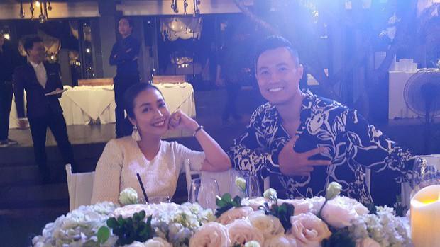 Trương Nam Thành và bà xã doanh nhân đám cưới ở Sài Gòn đúng đêm Noel, hình ảnh cô dâu được giữ kín - Ảnh 4.