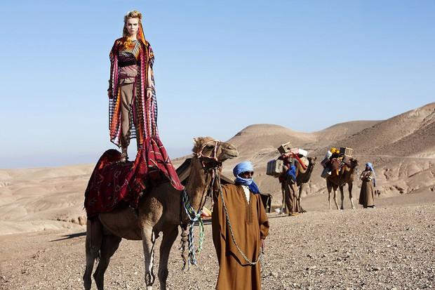Chụp hình với lạc đà nhưng thí sinh The Face Vietnam lại không liều như Americas Next Top Model - Ảnh 4.