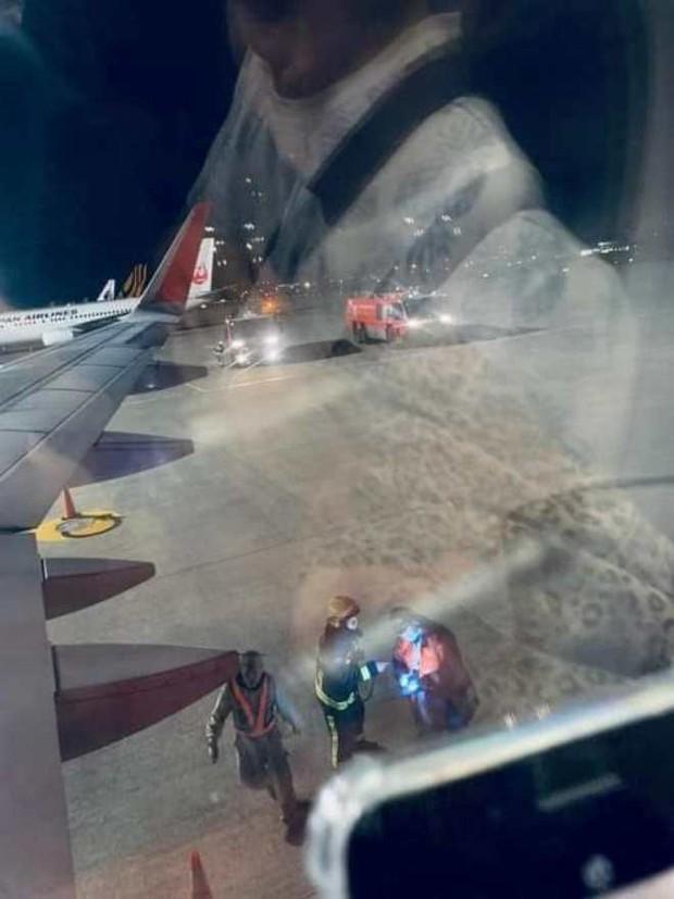 Hành khách đứng hình, trẻ em khóc thét khi máy bay Vietjet gặp sự cố kỹ thuật, phải hạ cánh khẩn xuống sân bay Đài Loan - Ảnh 1.
