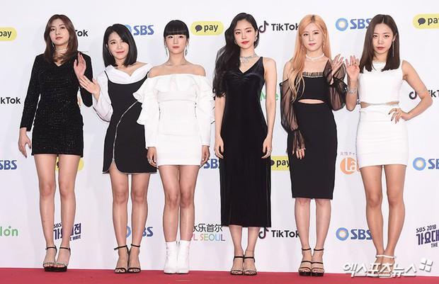 Siêu thảm đỏ SBS Gayo Daejun: Black Pink gây sốc vì vòng 1 nhọn hoắt, Irene táo bạo bên BTS, EXO và quân đoàn idol - Ảnh 19.