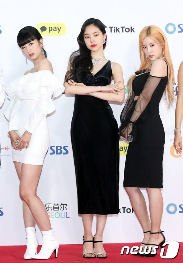 Siêu thảm đỏ SBS Gayo Daejun: Black Pink gây sốc vì vòng 1 nhọn hoắt, Irene táo bạo bên BTS, EXO và quân đoàn idol - Ảnh 18.