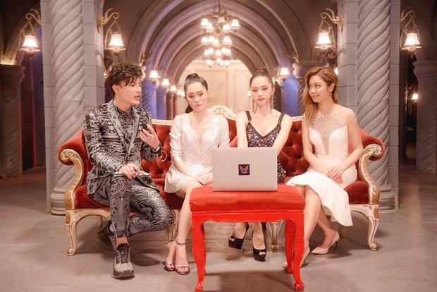 The Tiffany Vietnam: NTK Adrian Anh Tuấn tranh cãi quyết liệt khi bị giám khảo chê trước mặt thí sinh - Ảnh 1.