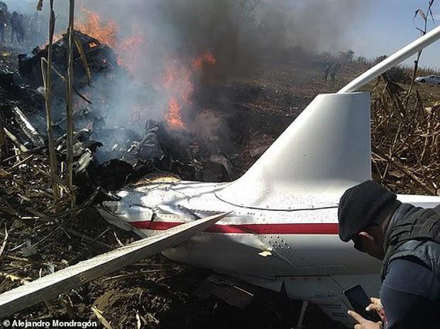 Hiện trường vụ rơi trực thăng khiến nữ Thống đốc Mexico thiệt mạng - Ảnh 1.
