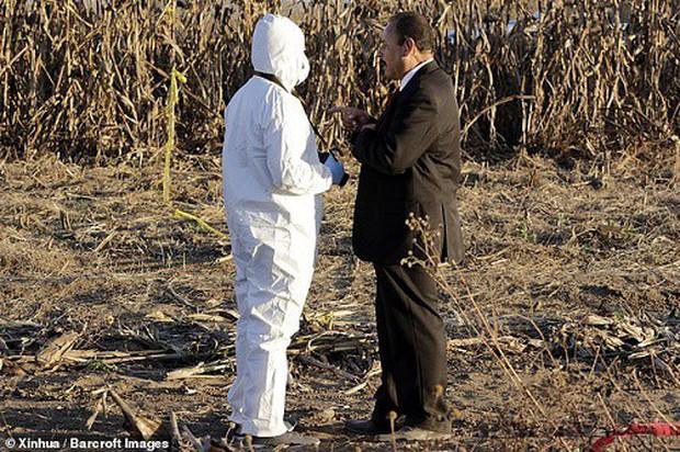 Hiện trường vụ rơi trực thăng khiến nữ Thống đốc Mexico thiệt mạng - Ảnh 4.