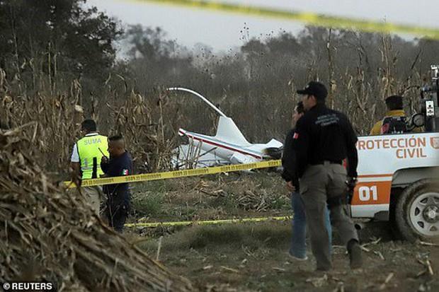 Hiện trường vụ rơi trực thăng khiến nữ Thống đốc Mexico thiệt mạng - Ảnh 6.