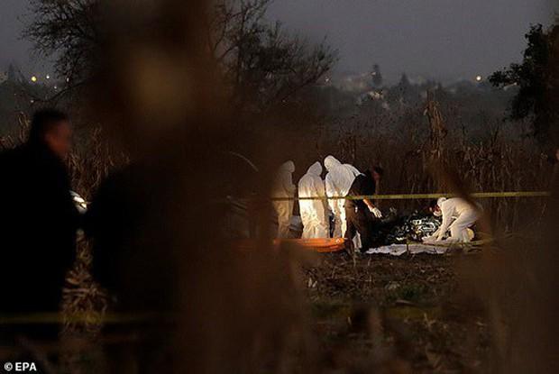 Hiện trường vụ rơi trực thăng khiến nữ Thống đốc Mexico thiệt mạng - Ảnh 8.