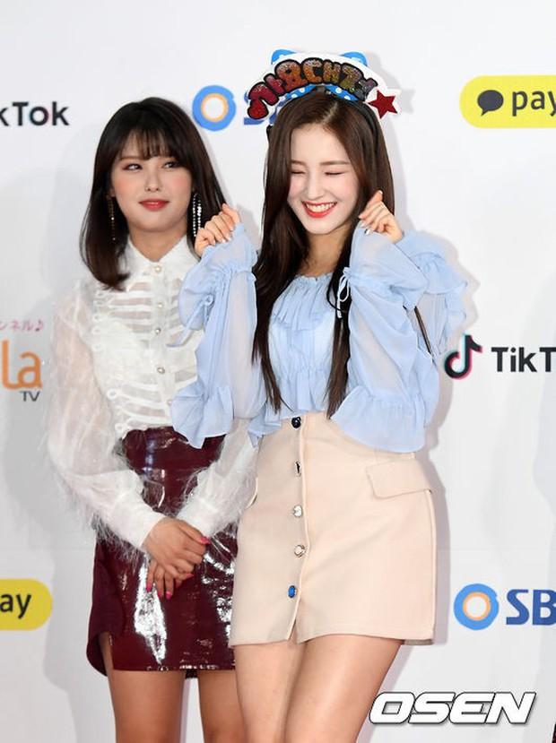 Siêu thảm đỏ SBS Gayo Daejun: Black Pink gây sốc vì vòng 1 nhọn hoắt, Irene táo bạo bên BTS, EXO và quân đoàn idol - Ảnh 42.