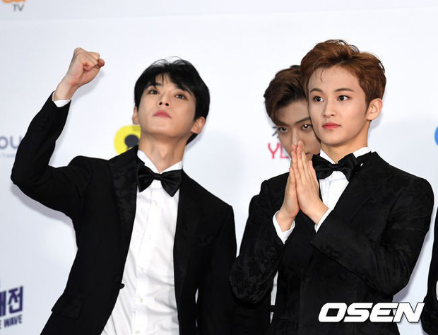 Siêu thảm đỏ SBS Gayo Daejun: Black Pink gây sốc vì vòng 1 nhọn hoắt, Irene táo bạo bên BTS, EXO và quân đoàn idol - Ảnh 45.