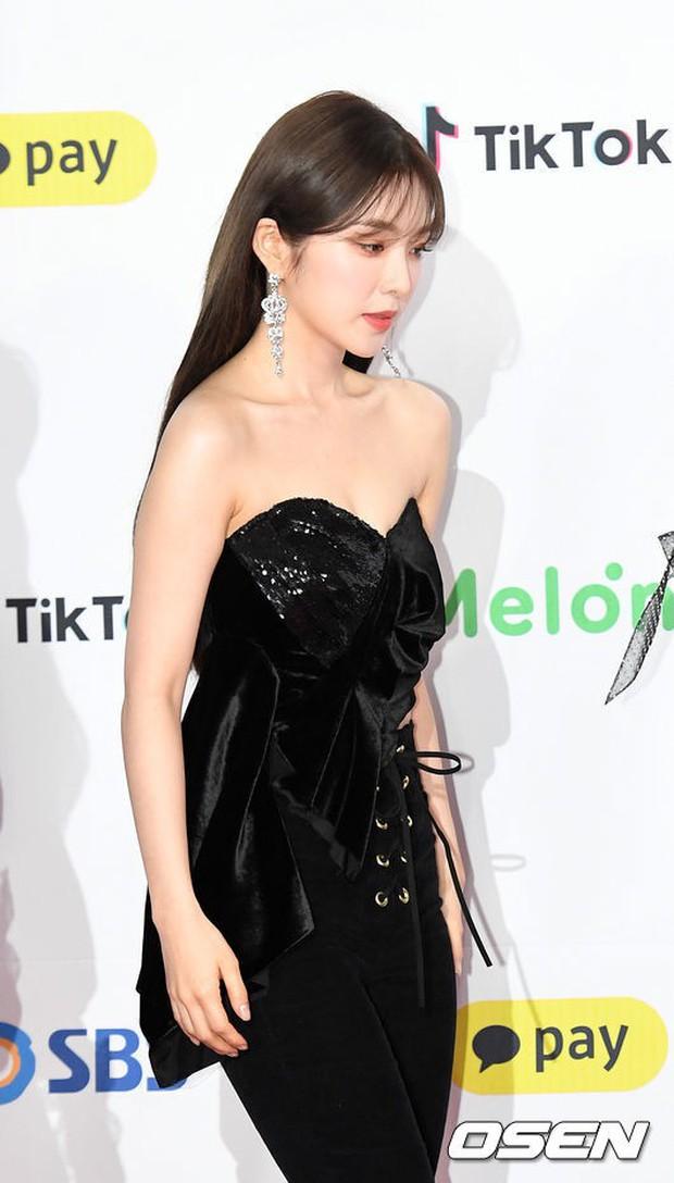 Siêu thảm đỏ SBS Gayo Daejun: Black Pink gây sốc vì vòng 1 nhọn hoắt, Irene táo bạo bên BTS, EXO và quân đoàn idol - Ảnh 10.