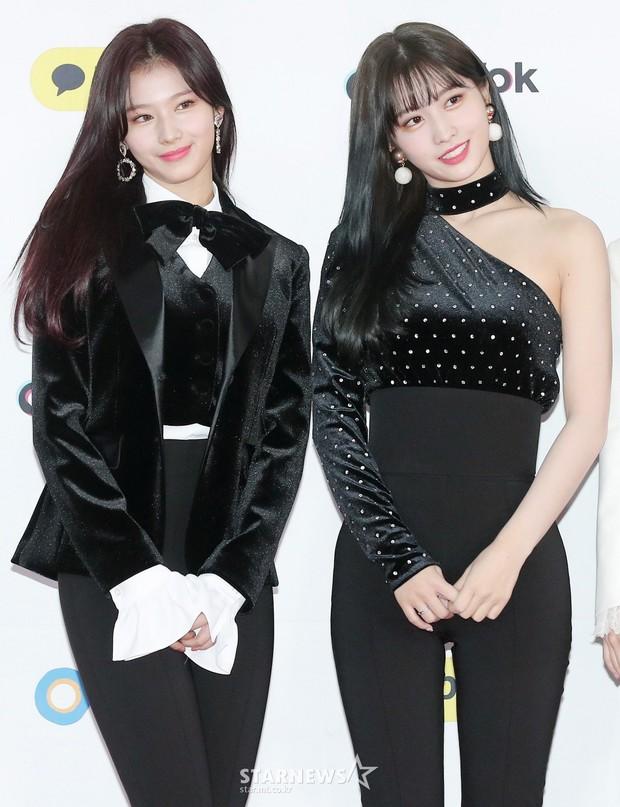 Siêu thảm đỏ SBS Gayo Daejun: Black Pink gây sốc vì vòng 1 nhọn hoắt, Irene táo bạo bên BTS, EXO và quân đoàn idol - Ảnh 14.